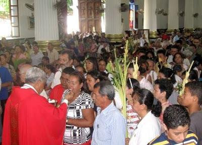 Foto en Domingo de Ramos dentro de una iglesia