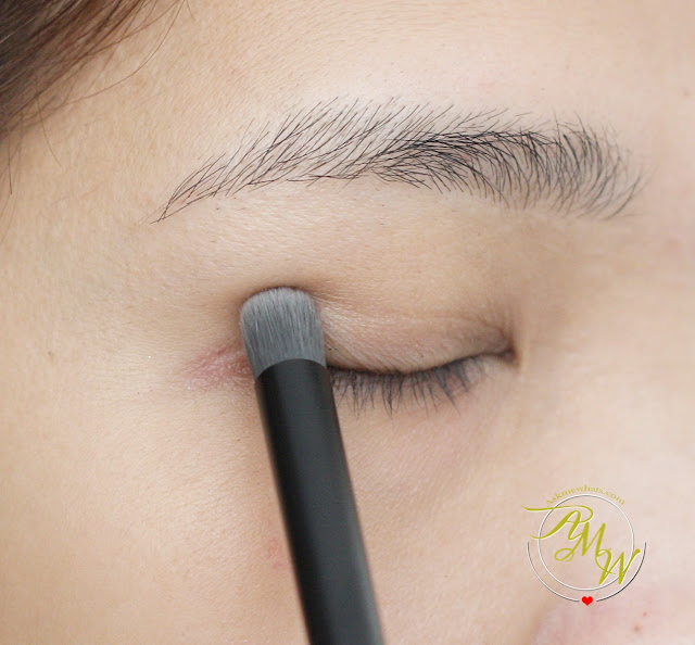 a photo of The Body Shop Eyeshadow Crease Brush