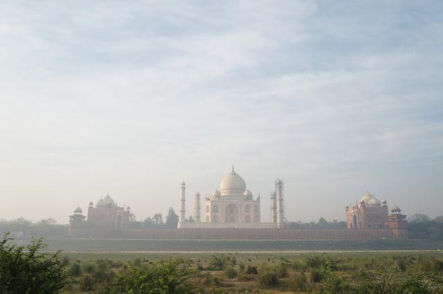 Menikmati Taj Mahal, Agra, India