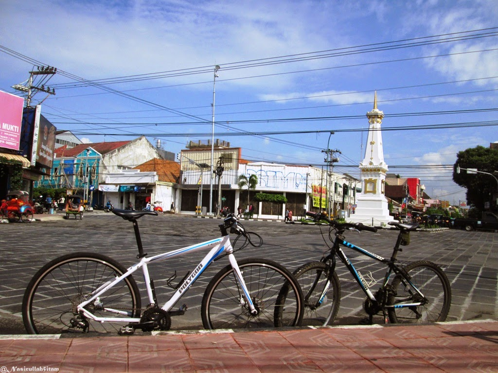 Moment bersepeda dikawasan kota Jogja dan Solo