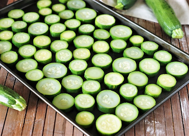 How to Pre-Freeze Zucchini So It Doesn't Stick Together Image