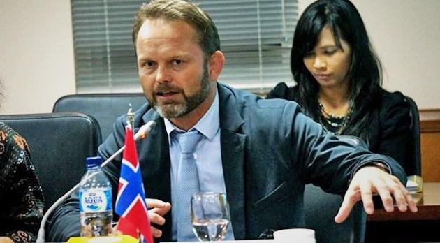 Dubes Norwegia Dipulangkan setelah Selingkuhi 3 Wanita Indonesia dan Diduga Tarik Dana Rp.5,4 Miliar