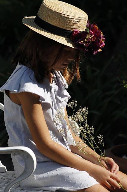 #canotier #niña #margarite #complementos #modaceremonia #pequeñafashionista