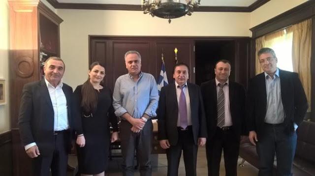 Συνάντηση του Π. Σκουρλέτη με την Πανελλήνια Ομοσπονδία Σωματείων Ελληνοποντίων Παλιννοστούντων της πρώην ΕΣΣΔ