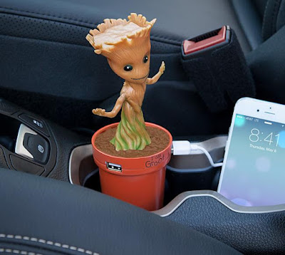 Groot USB Car Recharger