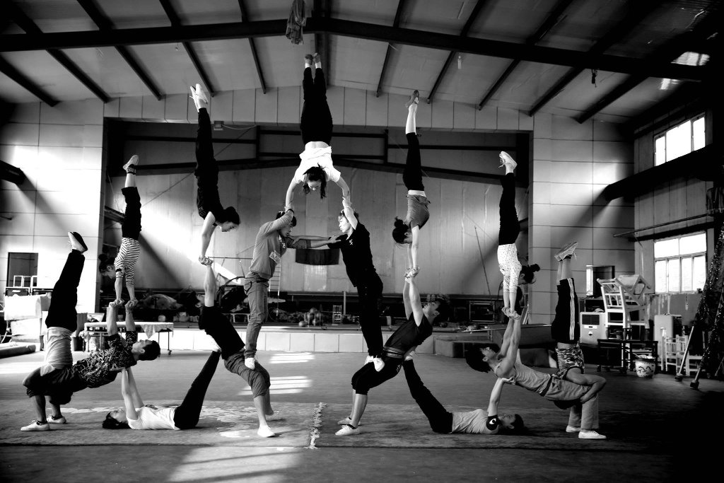 acro, yoga, equilibrio, conexión, elevado