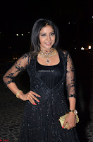 Sakshi Agarwal looks stunning in all black gown at 64th Jio Filmfare Awards South ~  Exclusive 056.JPG