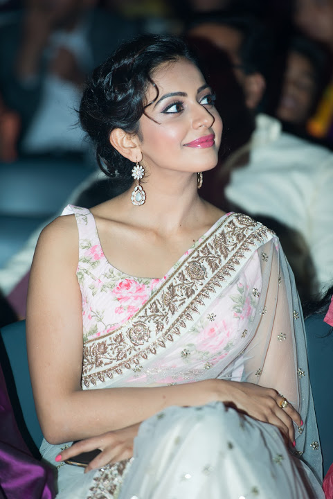 Princes Rakul Preet Singh Gorgeous Photos In White Saree