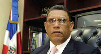 Exsenador Chú Vásquez utilizaba a su esposa para ocultar dinero, dice la acusación