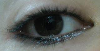 Flormar Glitter Effect Eyeliner Görünüm