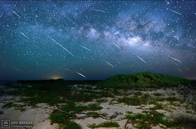 Chuva de meteoros Eta Aquarids registrada na Flórida, EUA, no ano de 2013.