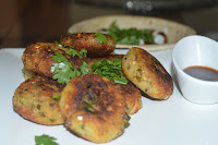 Potato patties with Groundnut and Semolina
