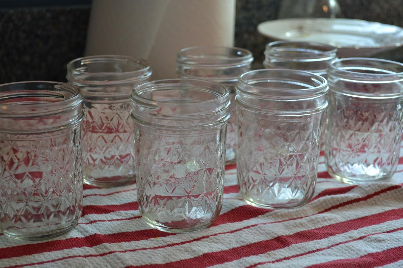 The Domestic Doozie Mason Jar Strawberry Cake