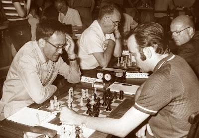 Partida de ajedrez A. Farré - J. Travesset en 1971