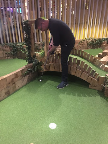 Swingers Crazy Golf in London.Photo by Gareth Holmes 14th August 2017