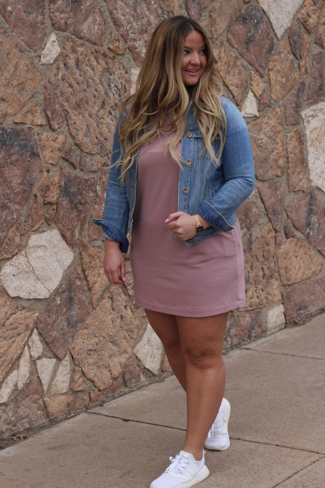Valentines Day Outfit: Dressing girlie tom boy by popular Denver fashion blogger Delayna Denaye