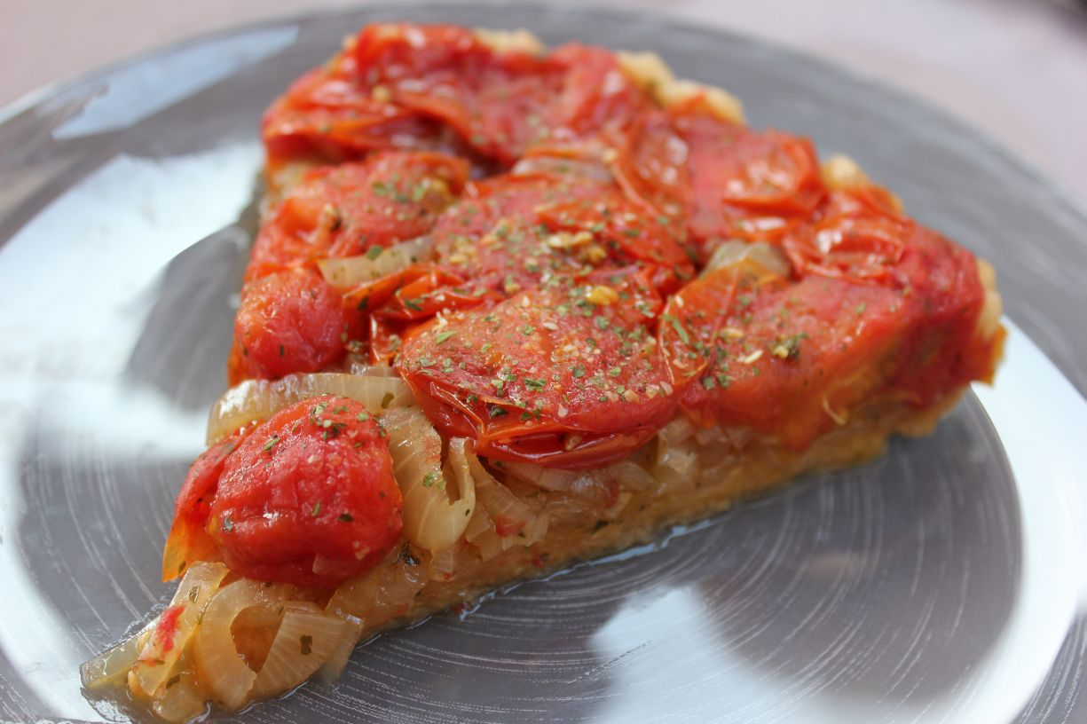 au menu du jour tarte aux tomates cerise et oignons en version tatin. Black Bedroom Furniture Sets. Home Design Ideas
