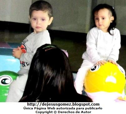 Fotos de niños pequeños jugando por Jesus Gómez