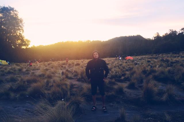 Pemandangan suasana Sore di Kalimati Gunung Semeru