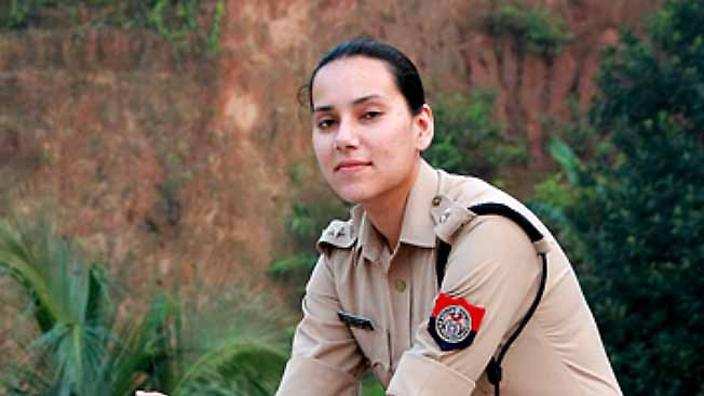 Seksi Gospa Oficirka