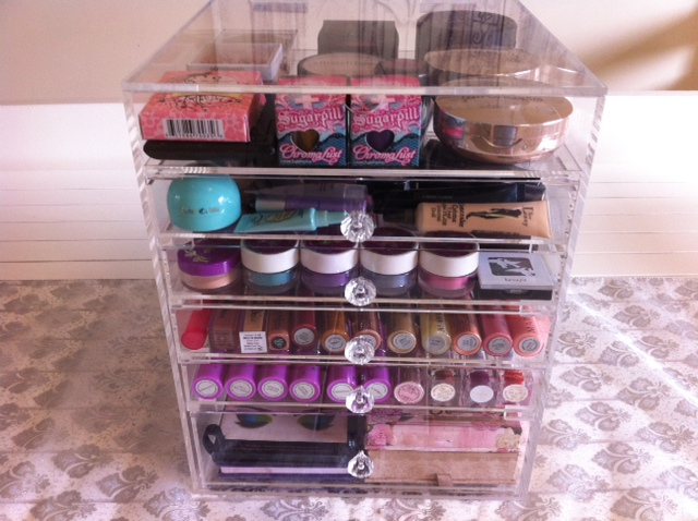 This Makeup Organizer is a huge five drawer unit plus a flip top section  making it a six compartment Makeup Organizer, one of the largest Makeup  Organizers ...