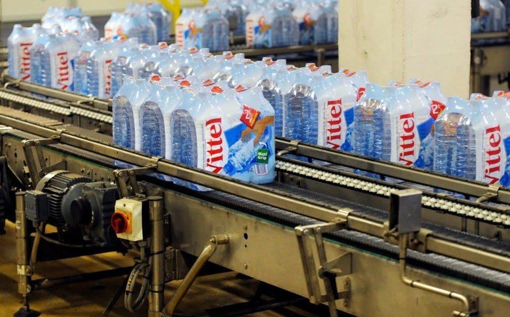 Problemi con l'acqua minerale Vittel Nestlé imbottigliata in Francia