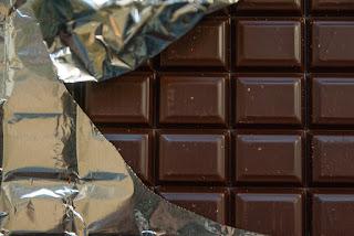 cara mengempiskan perut buncit dengan coklat hitam
