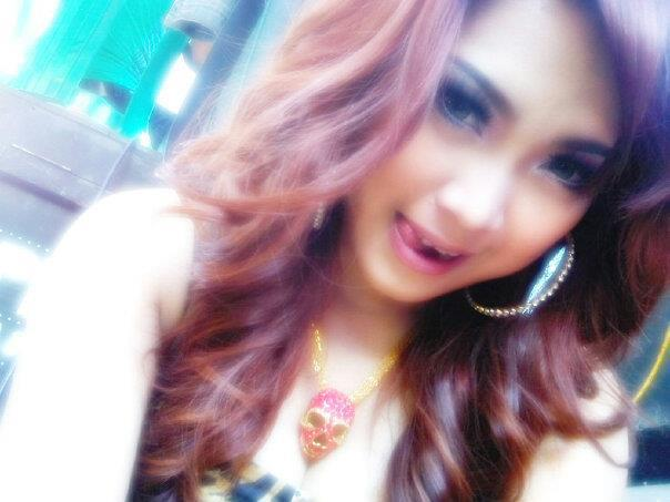 Foto Cewek Purel Cantik / Pemandu Karaoke