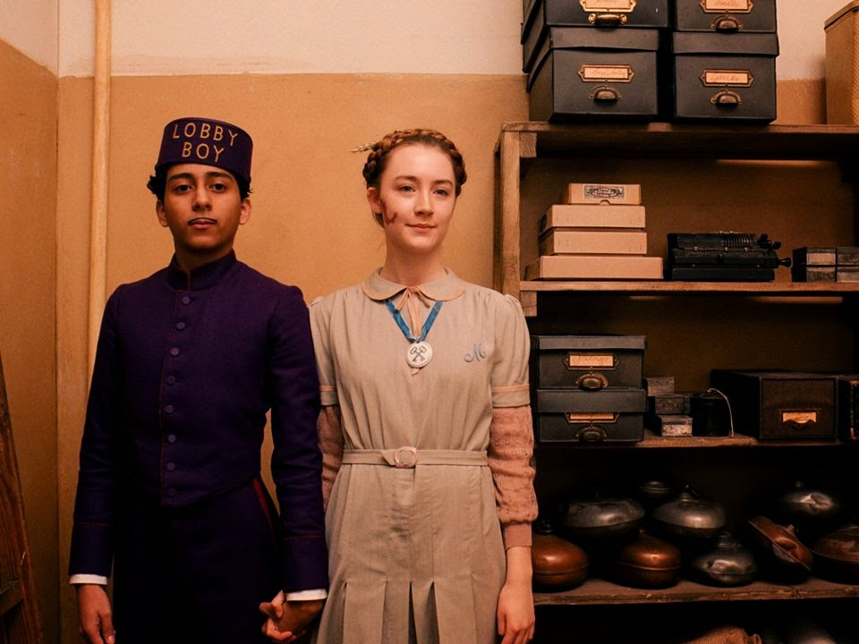 the grand budapest hotel-tony revolori-saoirse ronan