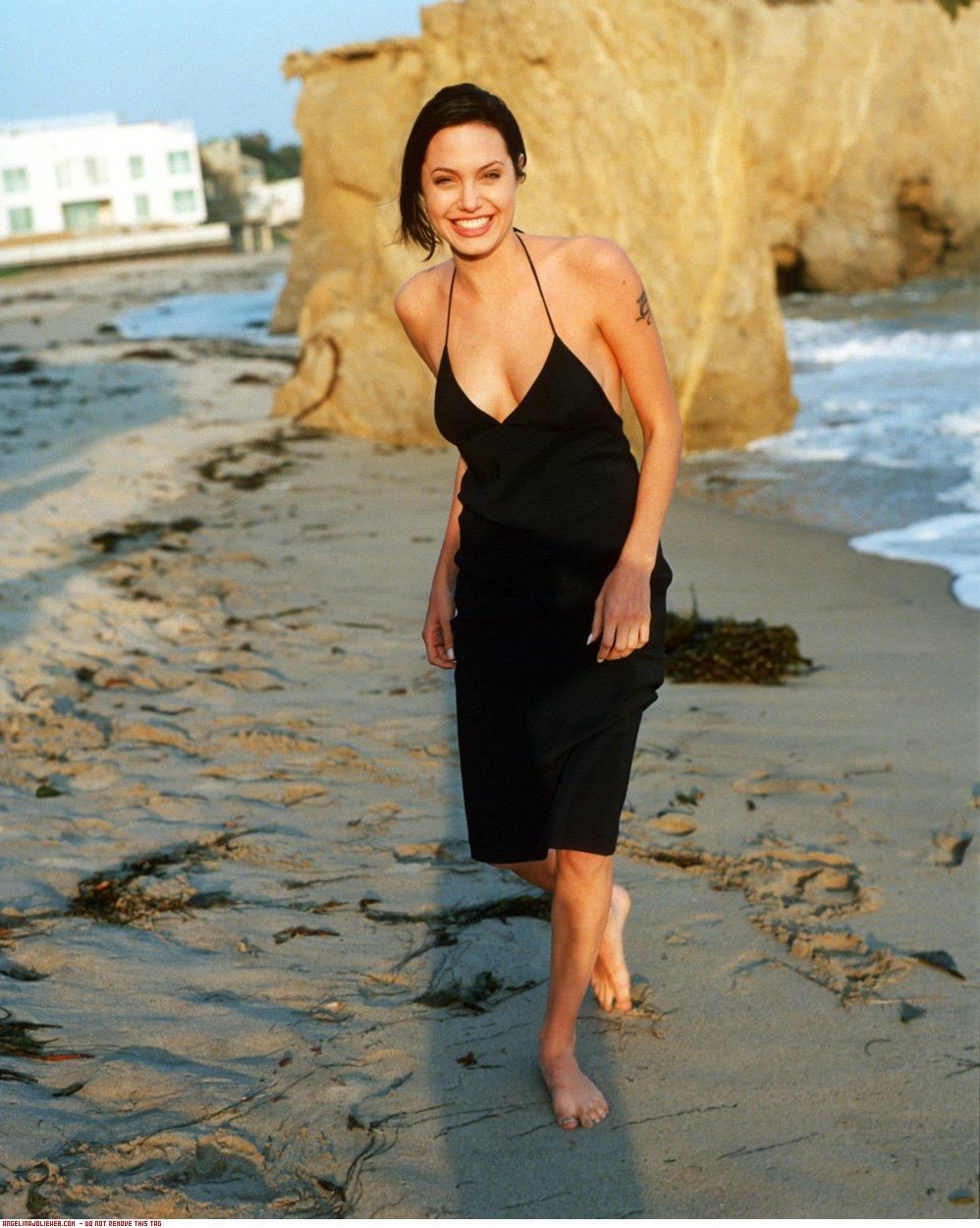 Angelina Jolie Bikini Pics 22