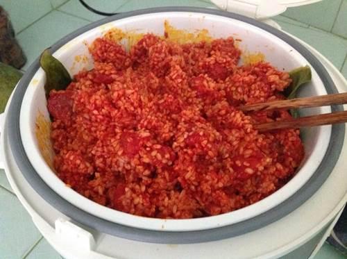 Cách nấu xôi gấc nước cốt dừa bằng nồi cơm điện
