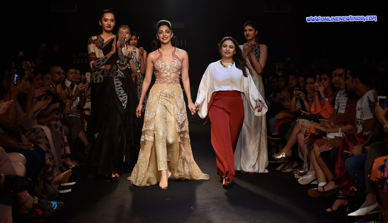 Neha Agarwal with her Showstopper Kiara Advani at Lakme Fashion Week