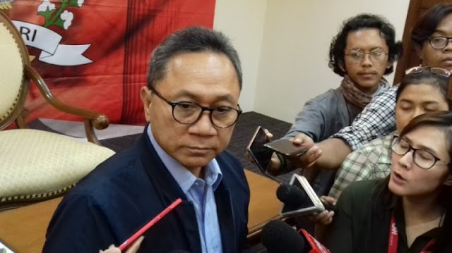 Ketum PAN Zulkifli Hasan Temui Jokowi di Istana, Ada Apa?