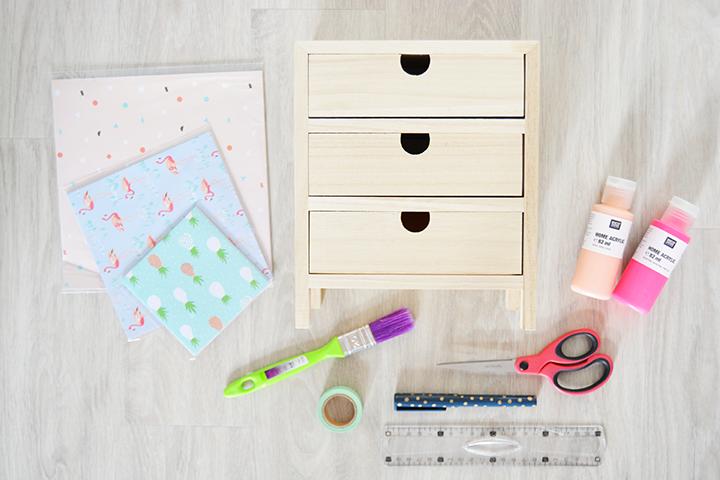 matériel DIY rangement meuble à tiroirs