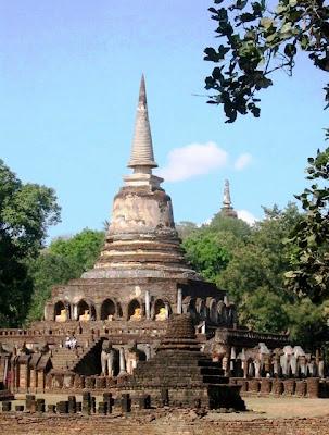 Visiting the ruins of Si Satchanalai - Thailand