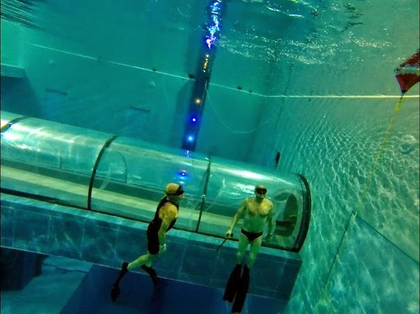 Y 40 the deep joy world 39 s deepest swimming pool info - How deep is the average swimming pool ...