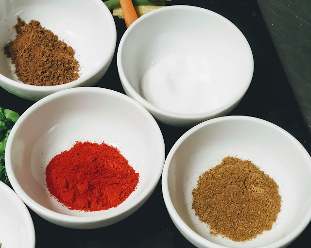 Red chilli powder Cumin powder, garam masala salt for Tandoori prawns