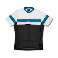 Mercedes-Benz Bikes 2013: Men's cycle jersey in black/white/petrol. Exclusive Mercedes-Benz design. 100% breathable polyester.