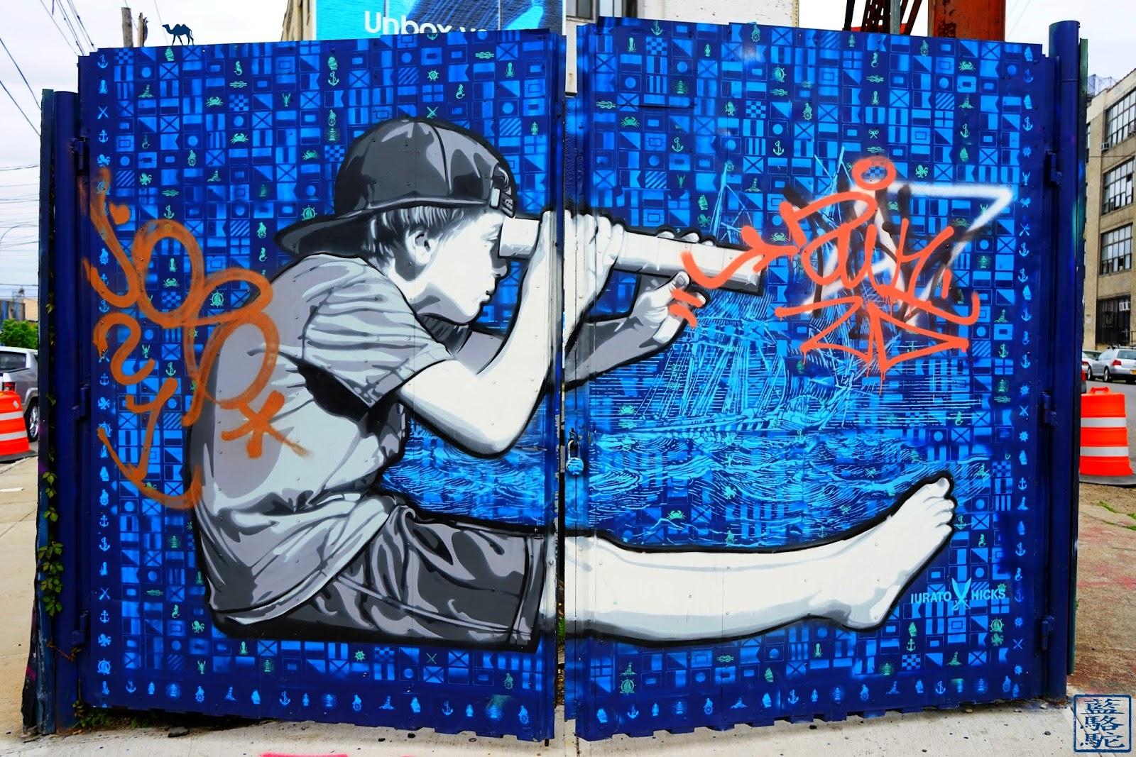 Le Chameau Bleu - Enfant à la longue vue - Bushwick - Brooklyn New York