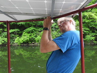 Bill Carlsen builds the boat while cruising it!