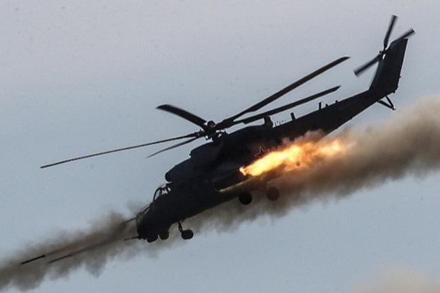O Ministério da Defesa da Donetsk República autoproclamada Popular (DPR) afirma que o helicóptero foi abatido por rebeldes no território de Krasnogorovka