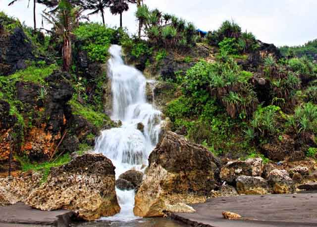 Air Terjun Parangtritis Yogyakarta