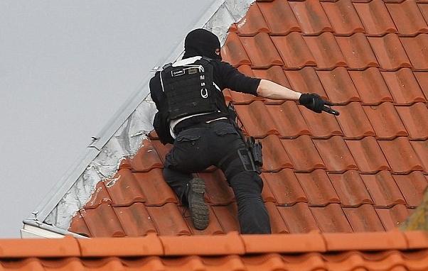 Tiros disparados durante um ataque a uma residência em Bruxelas