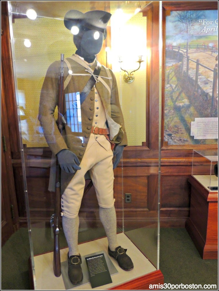 North Bridge Visitor Center en Concord: Uniforme Militar de los Colonos