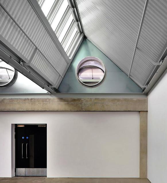 01. Gedung Dyson: Departemen Seni Rupa dan Terapan, London, Inggris oleh Haworth Tompkins