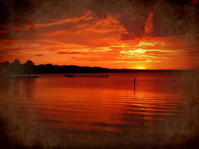 Ηλιοβασίλεμα καίει τον ουρανό / Sunset burning the sky