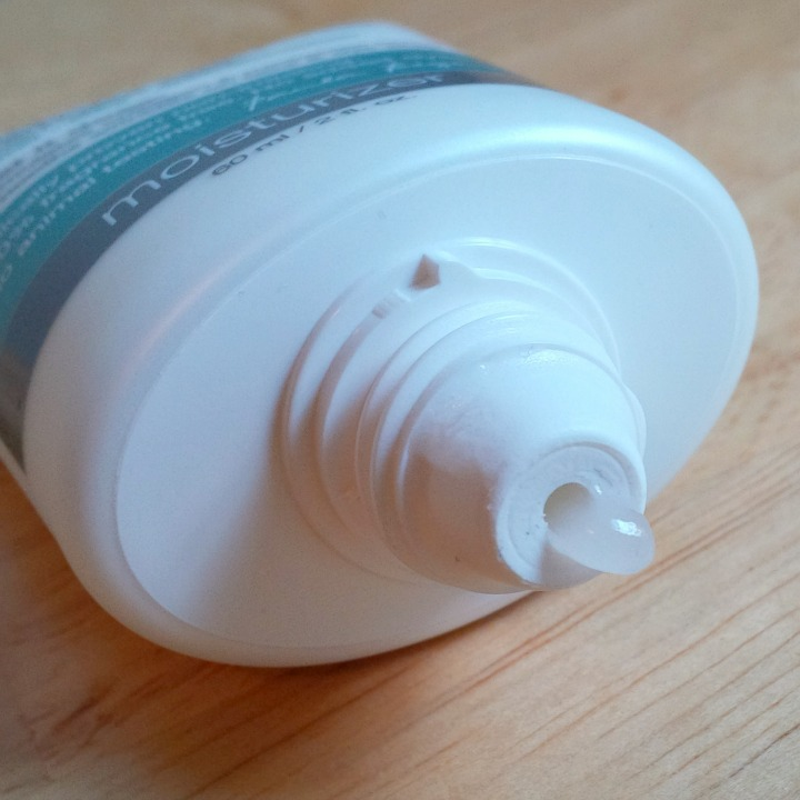 Paula's Choice Skin Balancing Invisible Finish Moisture Gel dispenser