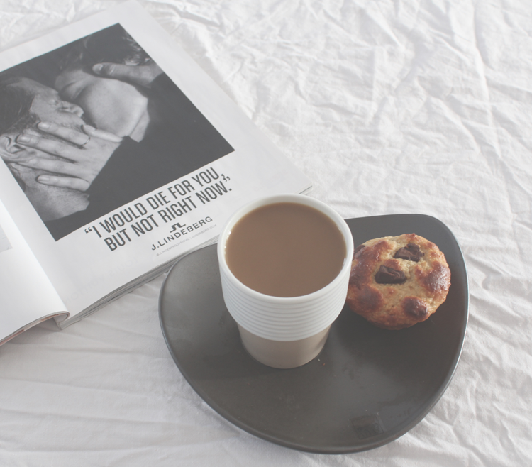 kahvia ja proteiinimuffinssi