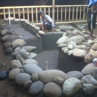 tukang kolam batu