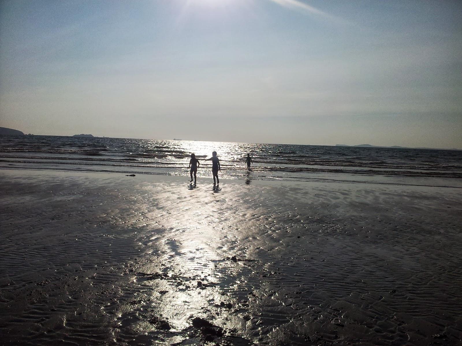 , An Evening Down Broad Haven Beach #CountryKids